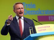 FDP-Parteichef Christian Lindner kritisierte die Regierung Merkel. (Bild: KEYSTONE/EPA/FELIPE TRUEBA)