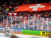 Gegen Russland waren die zahlreichen Schweizer Fans begeistert. Nun folgt mit Schweden gleich der nächste grosse Gegner (Bild: KEYSTONE/EPA SCANPIX DENMARK/MARTIN SYLVEST)
