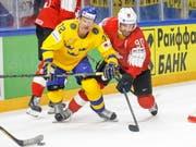 Trotz der NHL-Verstärkung von Roman Josi (rechts) unterlagen die Schweizer an der WM gegen Schweden (Bild: KEYSTONE/EPA KEYSTONE/SALVATORE DI NOLFI)