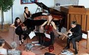 Das Trio Artemis mit Katja Hess (Violine), Myriam Ruesch (Klavier), und Bettina Macher (Violoncello) begeisterte zusammen mit dem Saxofonisten Daniel Schnyder in der evangelischen Kirche in Berneck. (Bild: Max Pflüger)