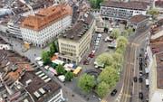 Der Marktplatz soll autofrei werden. Das hat das Stadtparlament noch Ende 2012 entschieden. (Bild: Benjamin Manser und Michel Canonica)
