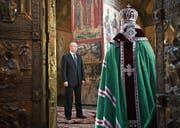 Wladimir Putin besucht nach der Vereidigung die Mariä-Verkündigungs-Kathedrale. Bild: Alexei Nikolsky/Sputnik/AP (Moskau, 7. Mai 2018) (Bild: Alexei Nikolsky/Sputnik/AP (Moskau, 7. Mai 2018))
