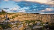 Ein Höhepunkt: die hufeisenförmige Felsformation Creux du Van. (Bild: Getty)