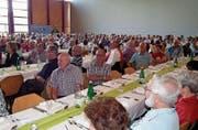 Mitglieder an der Versammlung im Arboner Seeparksaal. (Bild: PD)