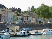 Das Städtchen Tournus am Ufer der Saône. (Bild: Silvia Schaub)