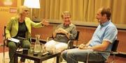 Angeregte Diskussion: Moderatorin Sonja Hasler, Vreni Schawalder und Rolf Järmann. (Bild: Markus Bösch)