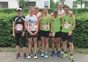 Die Läufer der LA TV Erstfeld mit ihrem Betreuer vor dem Start zum Wings for Life World Run in Zug. (Bild: PD)