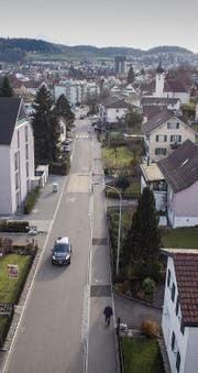 Entlang der Bruggwaldstrasse führt heute die Gemeindegrenze. Der Weg zu einer Grenzkorrektur ist lang. (Bild: Ralph Ribi)