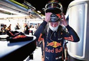 Max Verstappen bereitet sich in der Box auf das Training vor. (Bild: Mark Thompson/Getty (Montmeló, 11. Mai 2018))