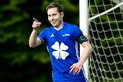 Hat gut lachen: Captain Michel Britschgi hat soeben den zweiten Treffer für den FC Littau erzielt. Bild: Philipp Schmidli (Littau, 12. Mai 2018)