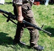 Die Sonderreglung für Schweizer Armeeangehörige könnte am tschechischen Widerstand scheitern. (Bild: Peter Klaunzer/Keystone)