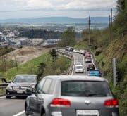 Die stark frequentierte Rengglochstrasse ist ?in schlechtem Zustand und erdrutschgefährdet. (Bild Pius Amrein)