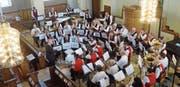 Die Stadtmusik präsentierte in der Kirche ein breites Programm. (Bild: Erwin Schönenberger)