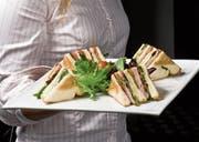 Ein Sandwich wird selten auf dem Teller serviert – meistens essen wir es, wenn es schnell gehen muss. (Bild: Getty)