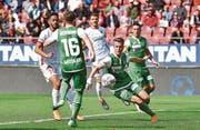 Andreas Wittwer vom FC St. Gallen unterläuft in der 35. Minute ein Eigentor zum 1:2. (Bild: Frederic Dubuis/freshfocus (freshfocus))