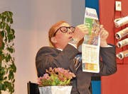 Mathias Waser verkörpert dieses Jahr im Theaterstück «Room-Service» einen verklemmten Assistenten. (Bild: Yvonne Imbach)