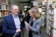 Philip C. Brunner und Barbara Gysel diskutierten über allerlei Themen. (Bild: Werner Schelbert (Zuger Zeitung) (Zuger Zeitung))