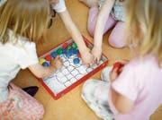 Familienergänzende Kinderbetreuung soll künftig in allen Aargauer Gemeinden bedarfsgerecht angeboten werden. (Bild: Stefan Kaiser)