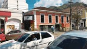 Das rote «Willisau Center» in Nova Friburgo. (Bild: PD)