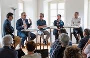Georges Roos (v.l.), Beat Züsli, Gesprächsleiter Peter Bucher, Monika Birve und Franz Enderli am Landenberg-Forum. (Bild: Roger Zbinden (Sarnen, 6. Mai 2018))