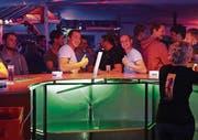 Auch den beiden Männern an der Bar gefällt es auf dem Land. (Bilder: Chris Marty/frauenfeld-events.ch)