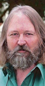 Peter Weingartner (63) schreibt mit Sympathie über Menschen, die sich irren und verirren. (Bild: PD)