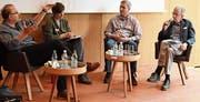 Matthias von Guten, Bettina Dyttrich und Gregor Dietze mit Moderator Hanspeter Spörri. (Bild: CAL)