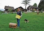 Die Schatzsuche endet bei der Schatzkiste, die auf dem Thurhof von Bruno Forrer in Wildhaus versteckt ist. (Bild: Sabine Schmid)