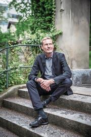 Martin Abele beim alten Friedhof Dreilinden. (Bild: Manuela Jans-Koch (Luzern, 3. Mai 2018))