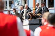 Daniel Fässler, regierender Landammann (2. von rechts) spricht während der Appenzeller Landsgemeinde: Er wird von verschiedenen Seiten kritisiert. (Bild: PATRICK HUERLIMANN (KEYSTONE))