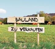 Viele könnten, nicht alle wollen: Hinter dem Verkauf von Bauland stecken Überlegungen. (Bild: Archiv)