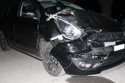 Der Wagen der 19-Jährigen wurde beträchtlich beschädigt. (Bild: Kapo AI)
