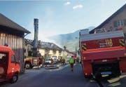 Tragisches Ereignis: Neun Personen verloren Hab und Gut bei diesem Brand letztes Wochenende an der Grabser Dorfstrasse. (Bild: Saskia Bühler)