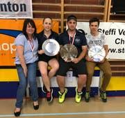 Die Schweizer Meister: Yvonne Niedhart, Anja Grässli, Emanuel Meier (alle Rheintal-Speeders) sowie Stefan Zedi vom Speed Badminton Club Luzern (von links). (Bild: PD)