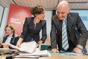 Die SP-Politiker Evi Allemann (links), Pascale Bruderer und Daniel Jositsch informieren gemeinsam über den SP-Reformflügel. (Bild: Alessandro della Valle/Keystone)
