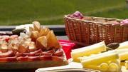 Regionale kulinarische Spezialitäten (Bild) sind ein beliebtes Geschenk. (Bild: Schweiz Tourismus)