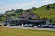 Unter neuer Führung: die Schmid-Garage Gähwil AG am Dorfeingang von Gähwil. (Bild: Beat Lanzendorfer)
