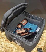 Gekühlte Getränke auch per Velo mitführen: Die Isolierbox von Ortlieb (sie eignet sich auch zum Einkaufen) fasst 18 Liter und wird mit einem Rack-Lock-Adapter am Gepäckträger montiert. (Bild: PD)