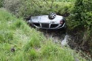 Die vier Fahrzeuginsassen hatten Glück und überstanden den Unfall unverletzt.