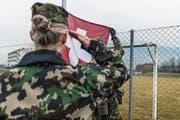 Frauen sind in der Schweizer Armee noch eine Seltenheit. (Bild: Christian Beutler/Keystone)