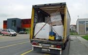 Die Ladung im Lastwagen hatte sich verschoben. (Bild: Luzerner Polizei)
