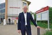Max Soller vor dem Gemeindehaus Berg. (Bild: Mario Testa)