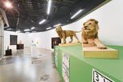 Vor den ausgestopften Löwen des exzentrischen Künstlers Urs Eggenschwyler (1849-1923) in der Kunsthalle Luzern wird an diesem Sonntag debattiert. (Bild: Kilian Bannwart/PD)