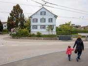 An der Kirchlistrasse 2 gehen die Kinder derzeit noch vorbei. Ab Sommer 2019 sollen sie hier in die Tagesbetreuung gehen. (Bild: Urs Bucher)