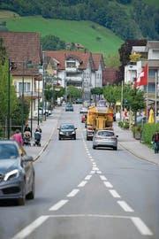 Die Brünigstrasse in Alpnach: Ab hier ist Tempo 30 geplant. (Bild: Corinne Glanzmann (24. Mai 2016))