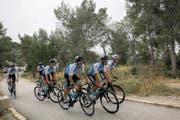 Das Team der Israel Cycling Academy beim Training im Heimatland. (Bild: Sebastian Scheiner/Keystone (Tel Azeka, 1. Mai 2018))