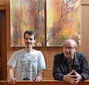 Adrian Gander (links) und Nabih Yammine stellen in der Kapuzinerkirche aus. (Bild: Monika Weber-Odermatt/PD)