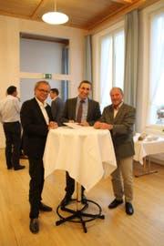 Geschäftsführer Daniel Blatter, Präsident Alois Gunzenreiner und Vizepräsident Peter Brunner (von links) freuen sich, dass das überarbeitete Raumkonzept Toggenburg vorliegt. (Bild: Martin Knoepfel)