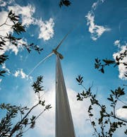 Das Sarganserland und Wattwil/Mosnang werden als Standorte für Windparks festgelegt. (Bild: Benjamin Manser (Chur, 27. April 2016))