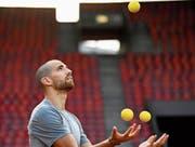Kariem Hussein braucht im August alle Jonglierkünste, um Studium und Sport unter einen Hut zu bringen. (Bild: Valeriano Di Domenico)